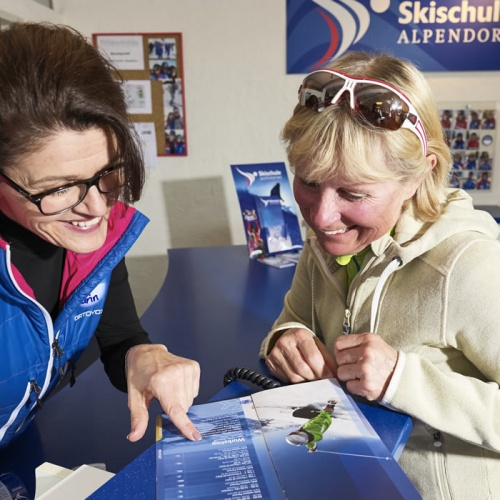 Personal advice and individual support - Information about the ski area in the ski school office
